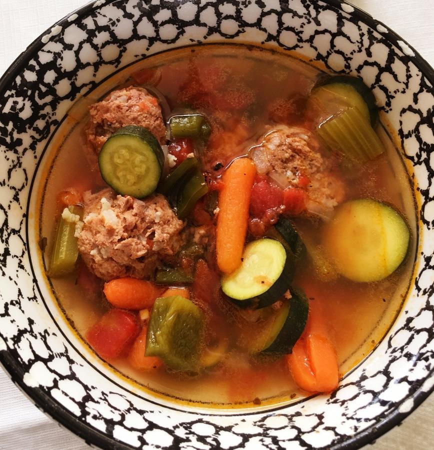 Meet Ground Turkey Chipotle Albondiga (meatball) Soup, otherwise known as… Albondiga Soup! Ole'💃🏻