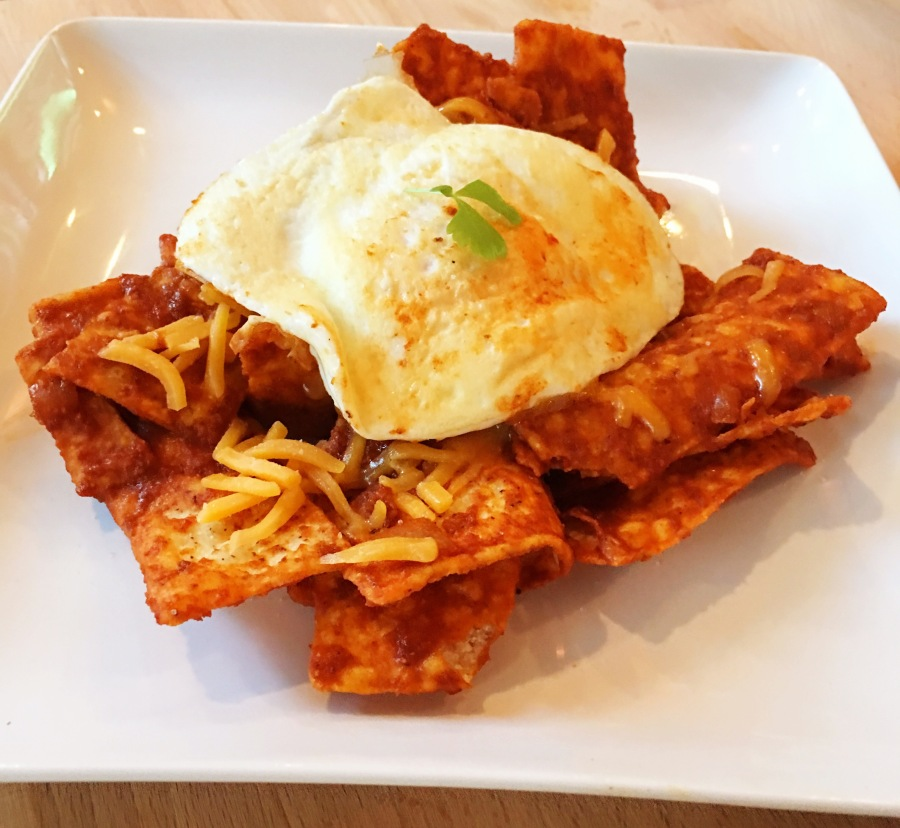 Chilaquiles with Eggs Over Easy 💃🏻